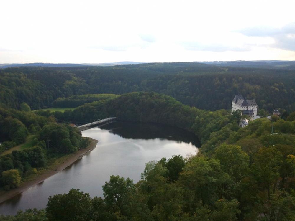 Saale und Schloss Burgk